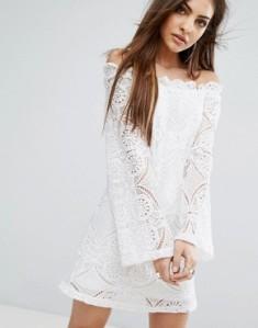 8070743-1-white